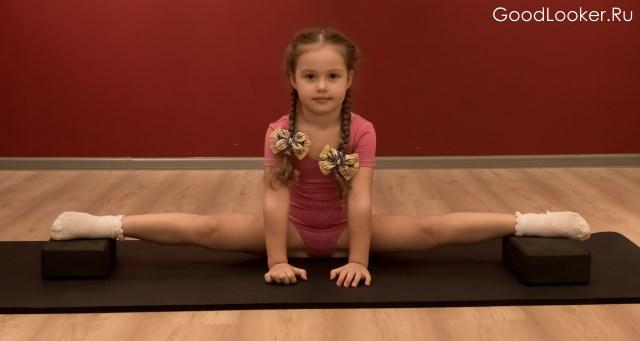Упражнения на шпагат