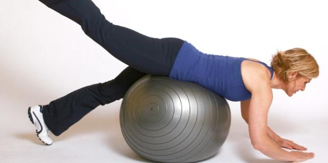 Упражнения с фитболом для продвинутых