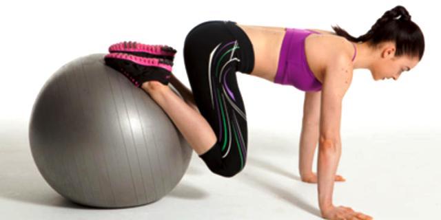 Упражнения с фитболом для среднего уровня