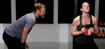 Боб Харпер: тренировка с гантелями