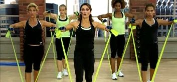 тренировка с эластичной лентой