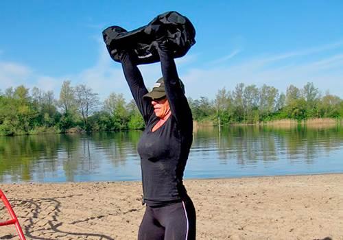 Sandbag (сэндбэг, мешок с песком): особенности, упражнения, видео и где можно купить