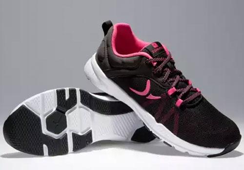 Топ-10 женских кроссовок до 3000-4000 рублей для фитнеса и бега